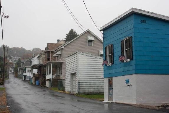 coaldale blue house